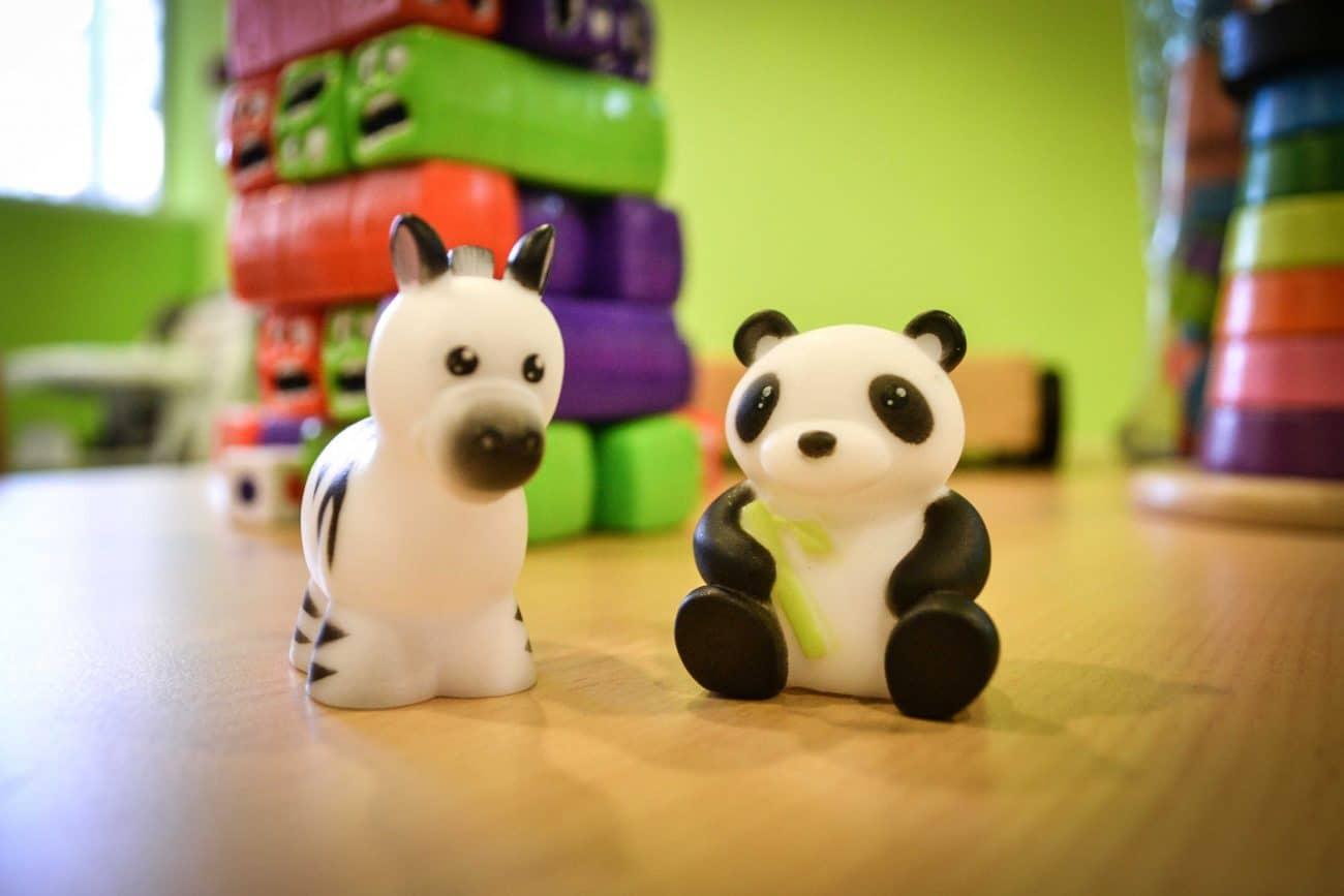 deux figurines pour enfants micro-crèche rouen Granny