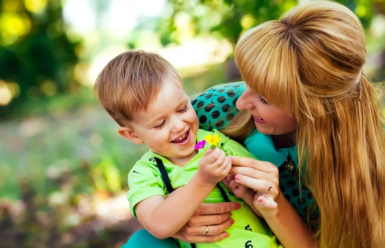 Baby Sitting service à domicile et mirco-crèches parent et enfant
