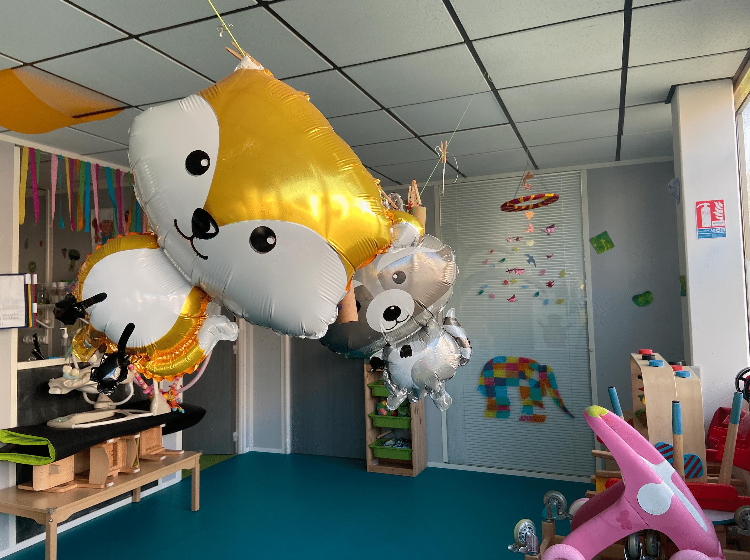 Ballons en forme d'animaux micro-crèche bois guillaume